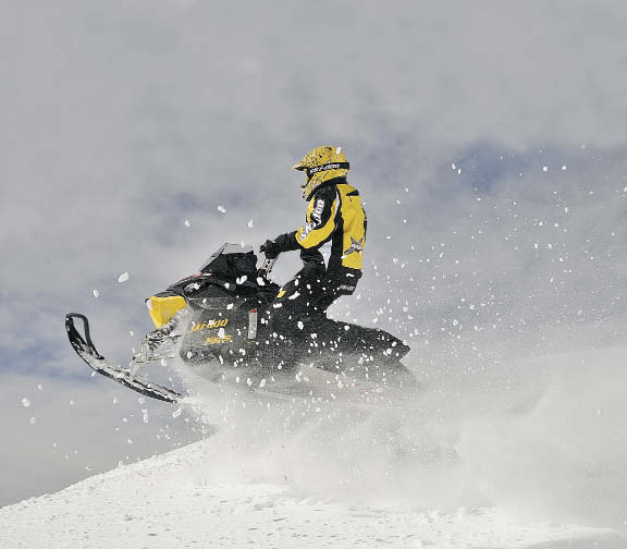Ski-Doo Summit X-RS