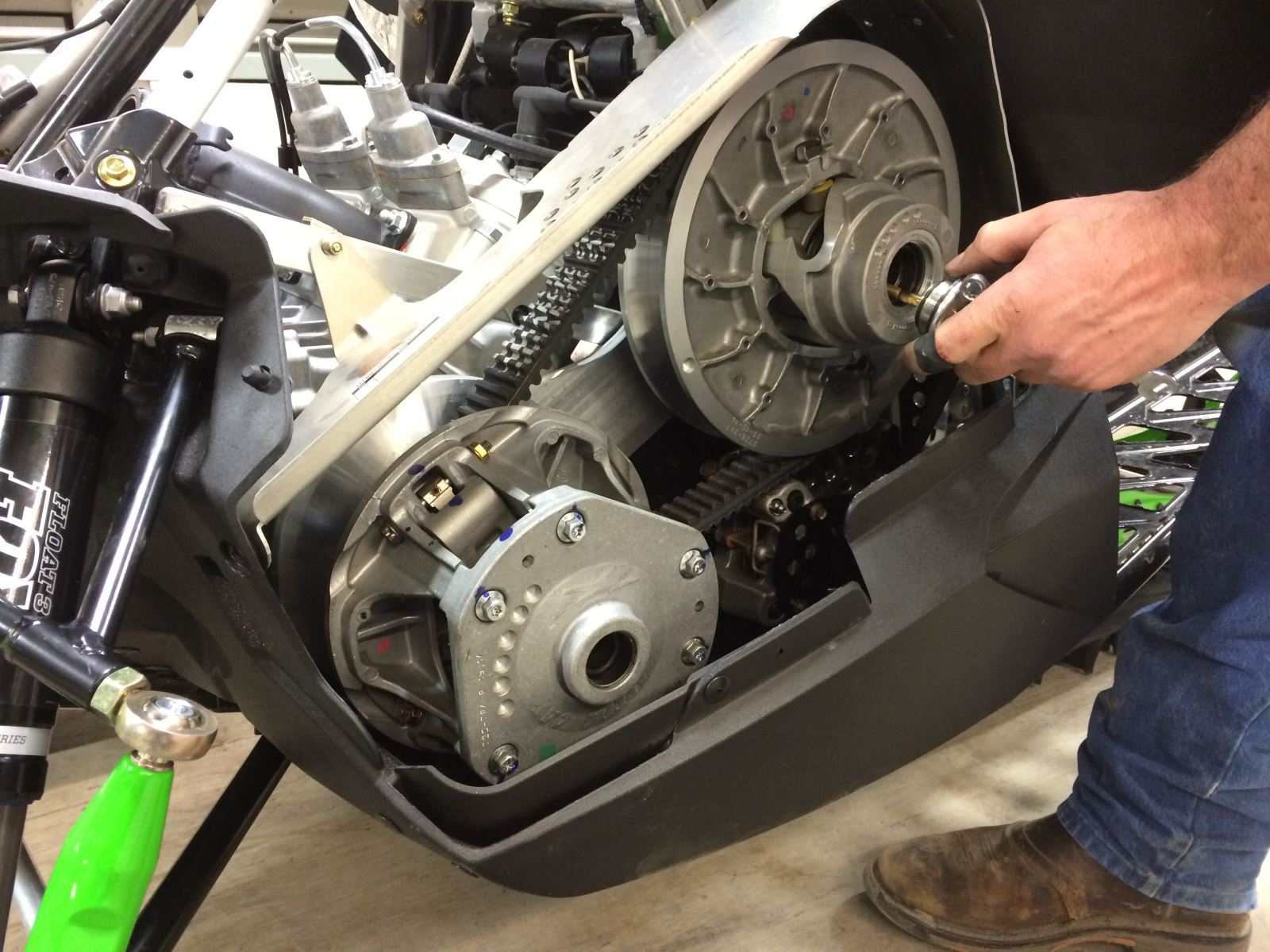 Arctic Cat Zr Team Primary Clutch Removal