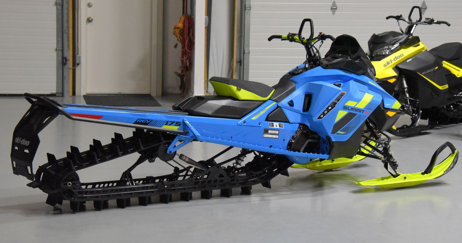 2018 ski doo 175 summit joins the 850 family snowest magazine. Black Bedroom Furniture Sets. Home Design Ideas